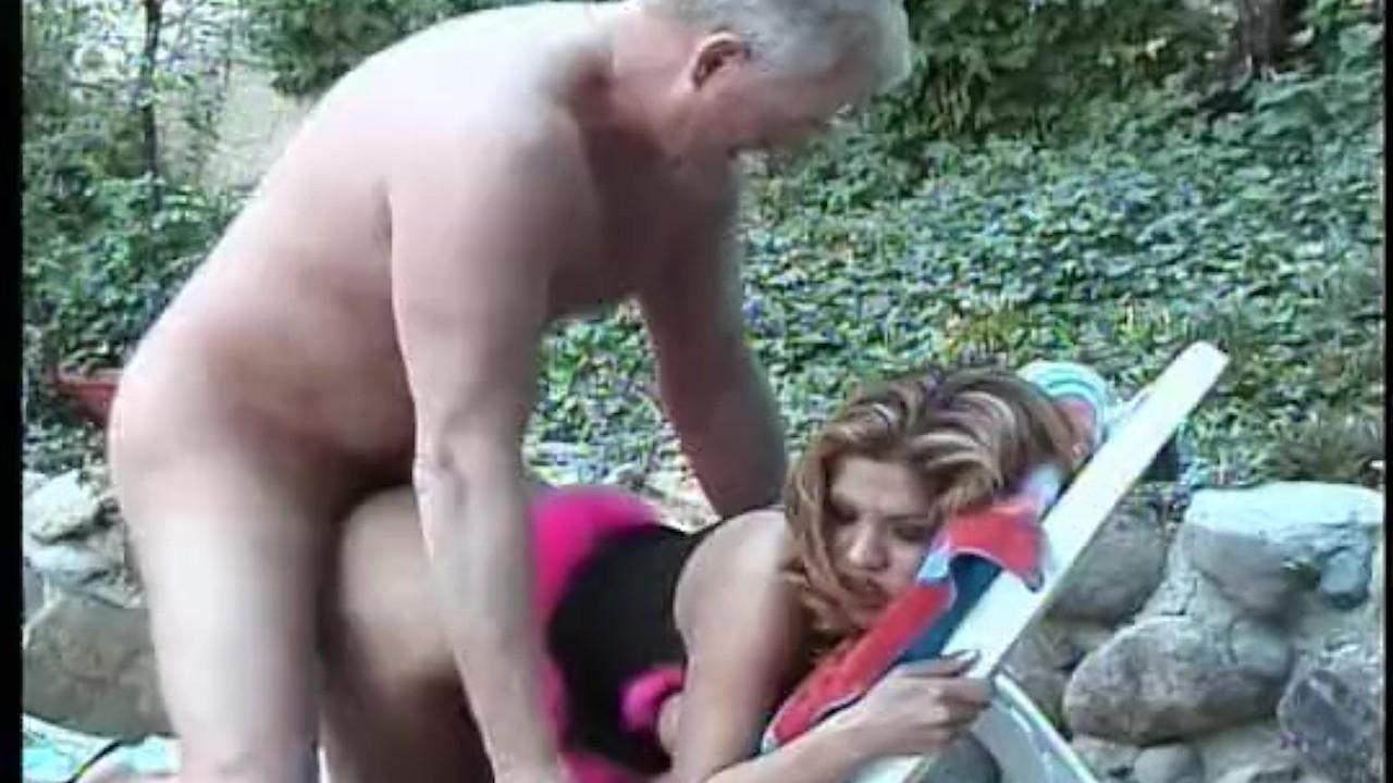 Aymaduras alexis amore follando un viejo de infarto - xxvideos.xxx