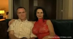Pareja liberal graba un video amateur