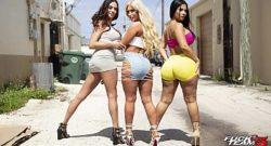 Trio fantastico con unas mujeres culonas
